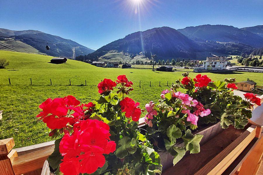 herrlicher Ausblick auf die Zillertaler Bergwelt ©Haus am Brunnen