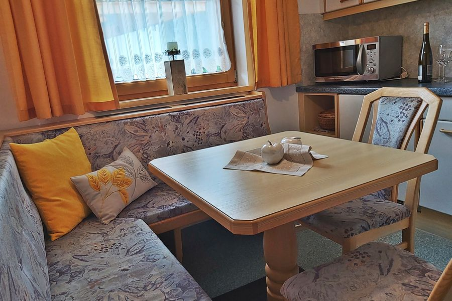 gemütliche Sitzecke Küche App. B ©Haus am Brunnen